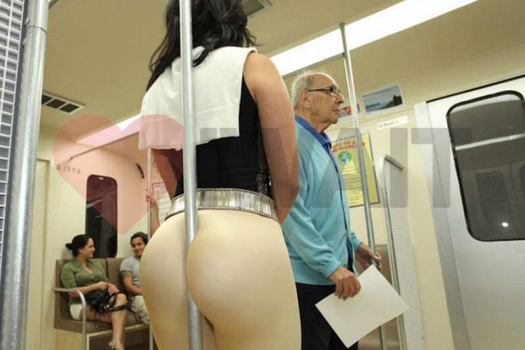 Секс в общественном транспорте: скрытность и скорость