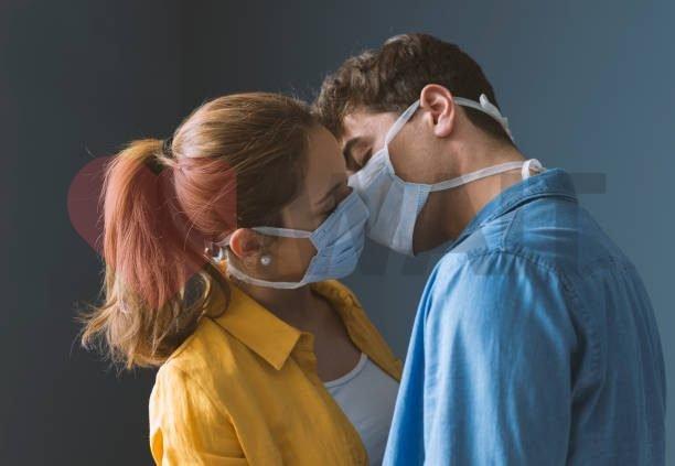 Как снять девочку и не заразиться COVID-19